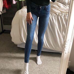 American Eagle skinny blue jeans size 2 long